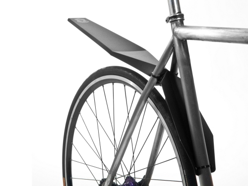 Foldnfix_black_on_bike