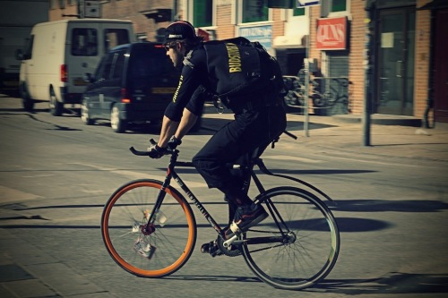 Bike_messenger_1_by_umbrellakid