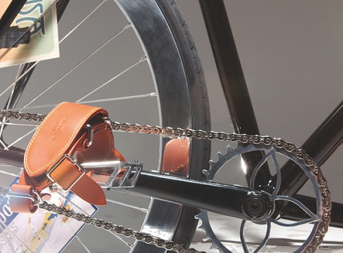 Yorgo-vuitton-bikepolo3